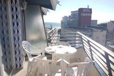 Terrace avec meubles dehors